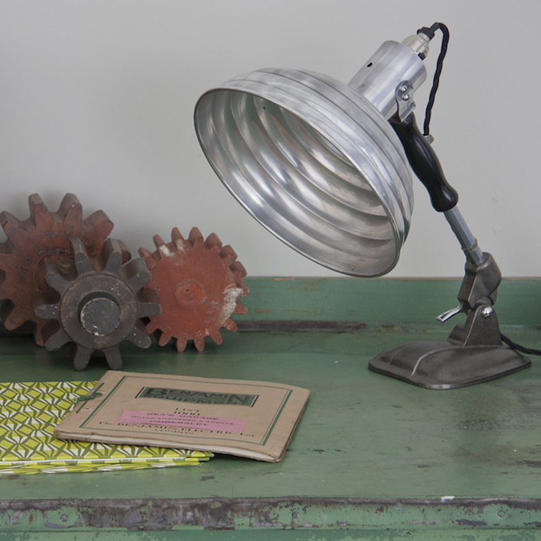Industrial aluminium lamp by pifco