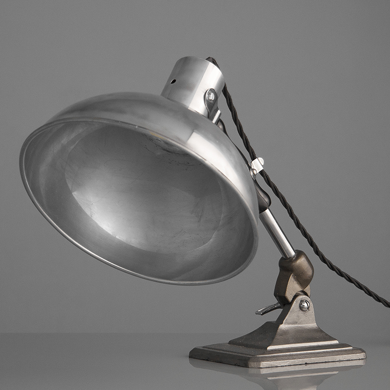 Art deco table light